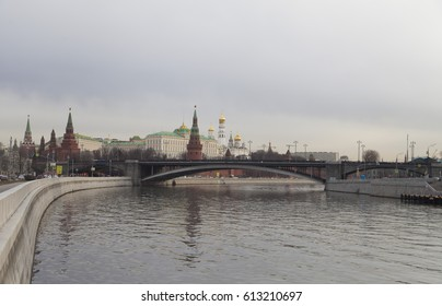 View of the Kremlin from the different parties and at different times