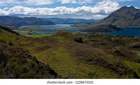 View at the Lake Wanaka near the town Wanaka in New Zealand