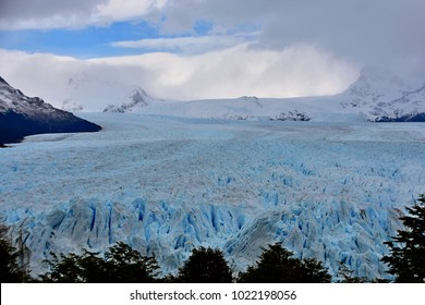 View of the length of Perito Moreno Glacier