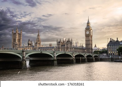 view of London with the Big Ben, the clock tower, bell, Palace of Westminster