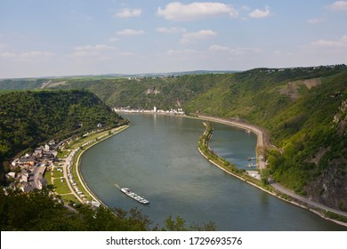 View from the Lorelei lookout over the bend of the the Rhine River, at the right the Rock of Lorelei, Urbar, Rhein-Hunsrueck district, Rhineland-Palatinate, Germany, Europe