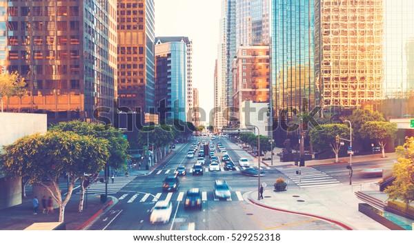 Вид движения в час пик в Лос-Анджелесе в центре Лос-Анджелеса