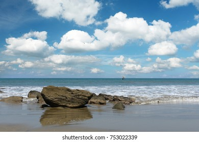 View of Mancora Beach in Peru with clouds and blue sky 192917204cf