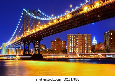 View of Manhattan Bridge in New York City at night