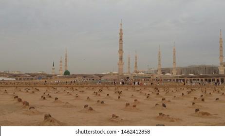 A view of Masjid e Nabvi from Jannatul Baqi graveyard