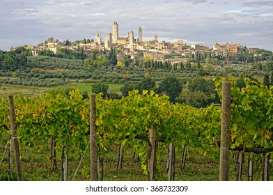 View of medieval town San Gimignano, Tuscany, Italy.