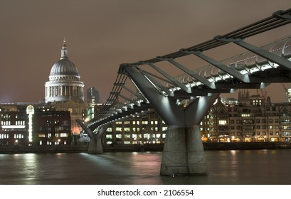 View at Millennium bridge and St. Paul cathedral in London in the night