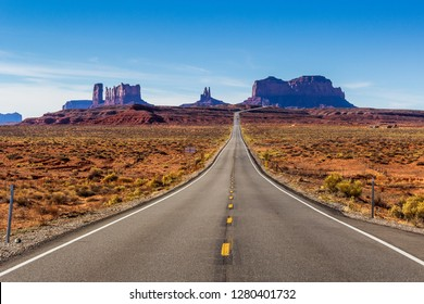 View of Monument Valley from Forrest Gump Point (Mexican Hat, US-163)