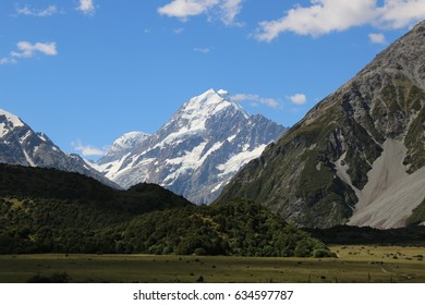 View of Mount Cook. Part off the hiking trail through Hooker Valley. New Zealand
