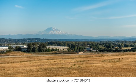 A view of Mount Rainier from Kent, Washington in late summer.