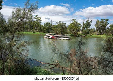 View of Murray River in Australia, with paddlesteamer