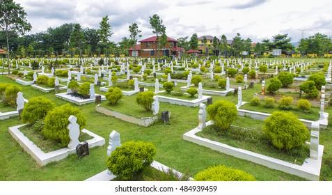 Muslim Grave Images, Stock Photos & Vectors | Shutterstock