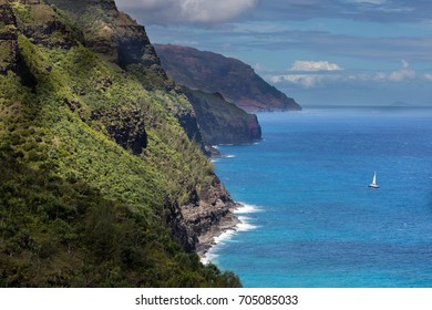 View of the Napali coast, Kauai, Hawaii from the kalalau trail