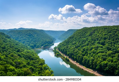 View of the New River from Hawk's Nest State Park, West Virginia.