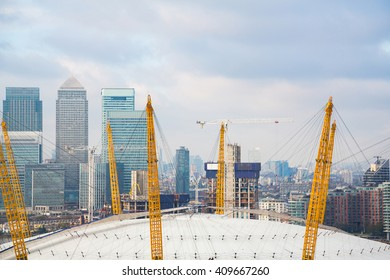 View of the O2 arena and Canary Wharf from the ropeway