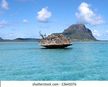 View of the ocean on Mauritius