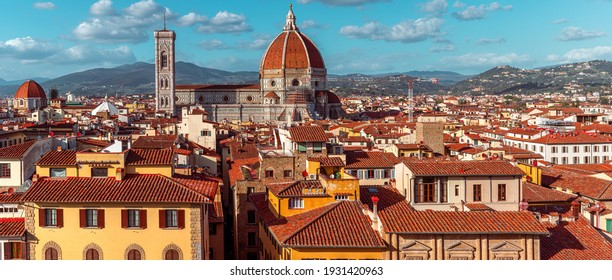 View of old town of Florence with Dome of Florence Duomo or Basilica di Santa Maria del Fiore cathedral, Tuscany, Italy. Travel destination