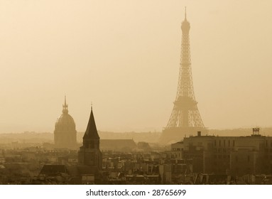 View on the Eiffel Tower with the Hotel des Invalides in the foreground