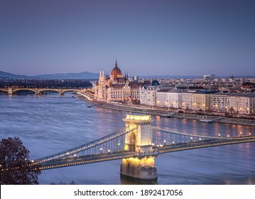 View on the famous Chain Bridge, Budapest