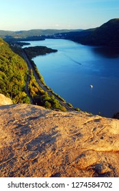 View on the Hudson from Breakneck Ridge