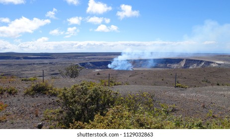 """View on Kilauea crater from """"Hawaiian Volcano Observatory"""" viewpoint in Volcanoes National Park (Big Island, HI, USA)"""