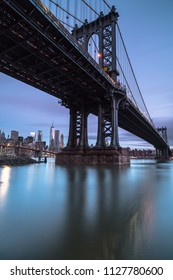 View on manhattan bridge and downtown manhattan at sunrise