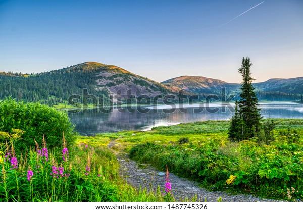 view-on-mountain-lake-hills-600w-1487745
