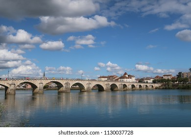 View on Saint-Laurent bridge located in the city of Mâcon, France