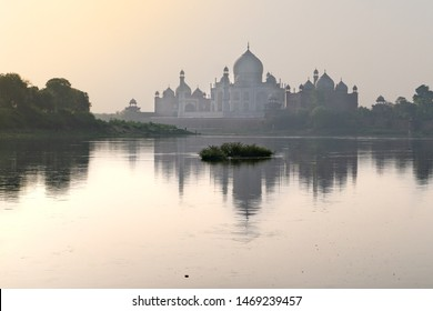 The view on Taj Mahal from river side