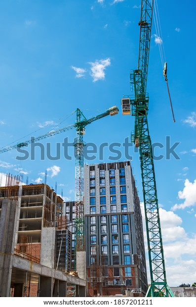 view-on-two-high-construction-600w-18572