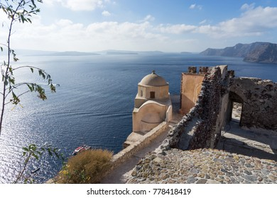 View on the Venetian castle ruin in Oia on the Mediterranean Sea, Santorini