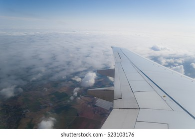 The view out of an Airplane onto the wing