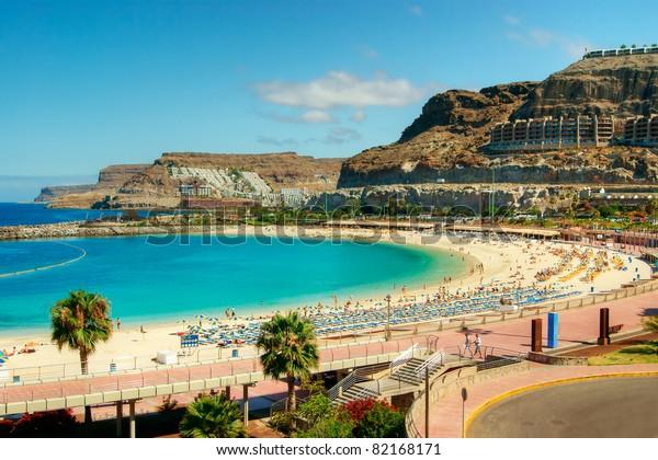 Aussicht auf den Strand von Amadores auf Gran Canaria, Spanien
