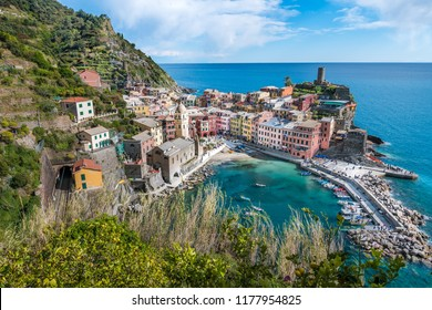 View over beautiful Vernazza in Cinque Terre, Italy