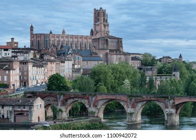View over Cathedral of Saint Cecilia of Albi and Vieux Pont d'Albi in the evening