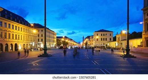 View over the Odeonsplatz onto the Ludwigstraße in Munich