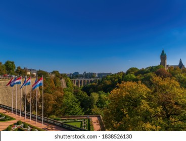 View over the old houses of Luxembourg and the Parc de la Pétrusse in autumn