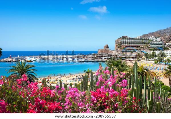 Blick auf den Strand von Puerto Rico. Gran Canaria, Spanien