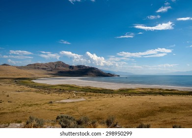 View overlooking the Salt Lake shore in Utah
