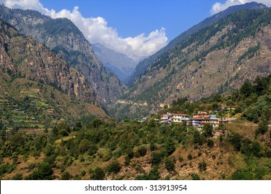View Parvati Valley in the mountains on the road to Kasol, Himachal Pradesh, India.