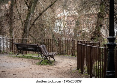 view point with benches, fences and streetlights