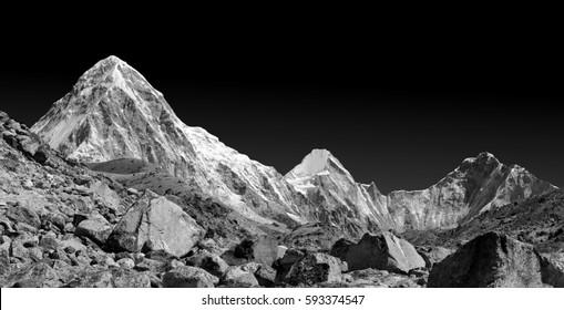 View of the Pumo Ri from the Khumbu glacier (black and white) - Mt. Everest region, Nepal