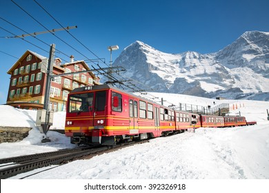 View of the rail service connecting Kleine Scheidegg to Jungfraujoch.