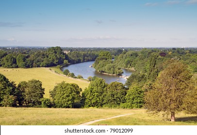 view from richmond hill overlooking the thames
