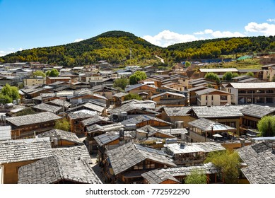 View of the rooftops of Dukezong ancient town in Zhongdian, called also Shangri La, Yunnan province, China