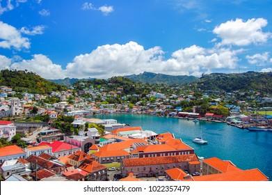 Aussicht auf die Stadt Saint George, Hauptstadt der Insel Grenada, Karibik der KleinAntillen