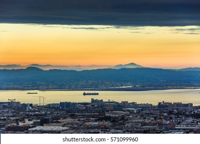 View of San Francisco Bay and Oakland port from Twin Peaks, San Francisco