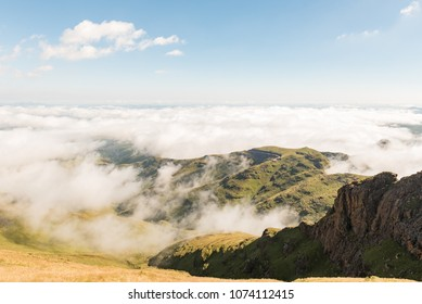 View from the Sentinel Trail to the Tugela Falls in the Drakensberg. The starting point at the car park is visible