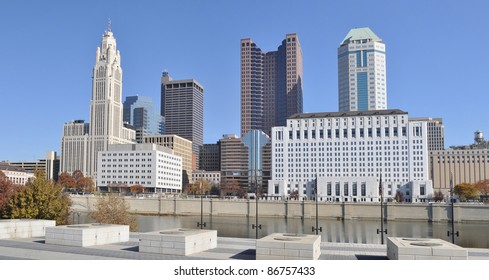 A view of the skyline of Columbus, Ohio, from across the Scioto River.