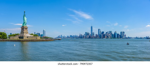 View of the skyline of Lower Manhattan from the Upper Bay